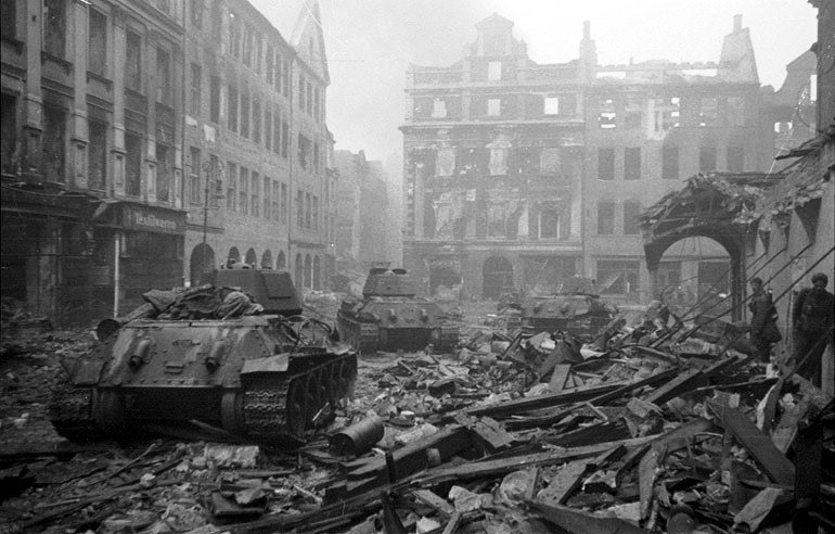 Resultado de imagen de berlin abril 1945