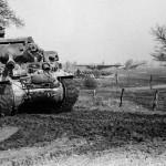 Ministro de Defensa belga obsequia un cazacarros M10 Achilles a Polonia