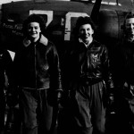 Congreso aprueba ley que permite que cenizas de mujeres pilotos sean enterradas en Arlington