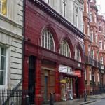Estación de Down Street del Metro de Londres donde alguna vez Churchill se ocultó de las bombas alemanas