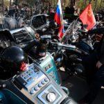 Motociclistas rusos llegan a Bratislava y rinden homenaje a soldados soviéticos