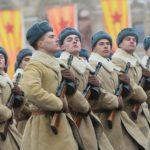 Miles de soldados marcharon en Moscú conmemorando el 75º aniversario del desfile de 1941