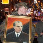 Marcha de antorchas en Ucrania conmemora nacimiento de Stepan Bandera
