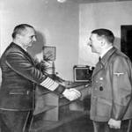 """Doenitz: El genio que creó las patrullas de submarinos en """"Manadas de Lobos"""""""