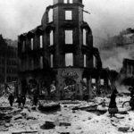 Hitler no comenzó el bombardeo indiscriminado de civiles - fue Churchill quien lo hizo