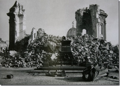 Ruinas de frauenkirche 1945