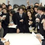 Primer Ministro de Japón logró acuerdo con Gobernador de Okinawa para reubicar la base militar Futenma