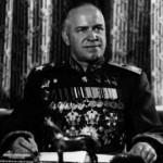 En Kiev destruyen placa conmemorativa al Mariscal Zhukov, denuncia el Partido Comunista de Ucrania