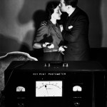 Un beso para el detector de mentiras en 1939