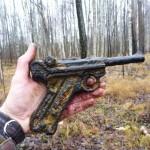 Coleccionistas encuentran una Luger en campo de batalla de Carelia