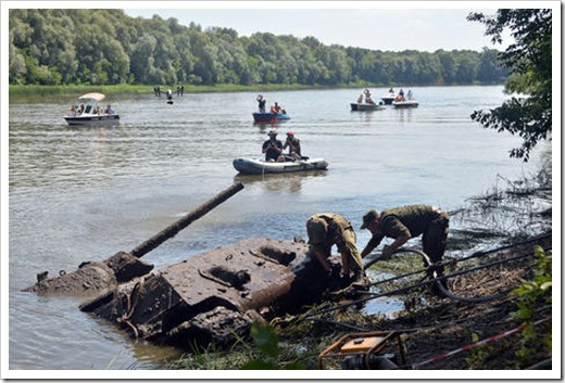 tank_recovered_from_don_river_tass_16566383_1300