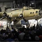 "Restaurado bombardero B-17 ""Memphis Belle"" es presentado en Dayton, Ohio"