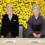 Emperador Akihito desagravia a su padre por la guerra
