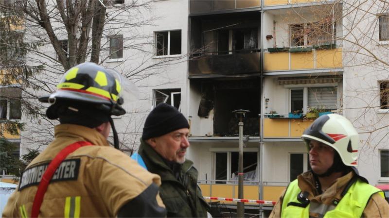 explosivos y gas estallan en apartamento en Alemania.