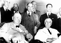 Churchill y Roosevelt atienden la Conferencia Washington (2)